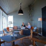 Vid vedbastun finns även ett mötesrum. Precis vid havet!