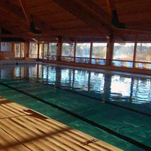 Vår 25-meters pool är perfekt för motionssimmaren.