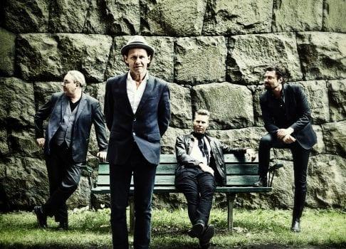 Se Bo Kaspers Orkester, ett av Sveriges mest uppskattade liveband i Folkparken.