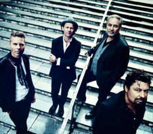 Bo Kaspers Orkester, ett av sommarsveriges mest efterfrågade band spelar den 3 augusti för andra gången i Folkparken på Djurönäset.