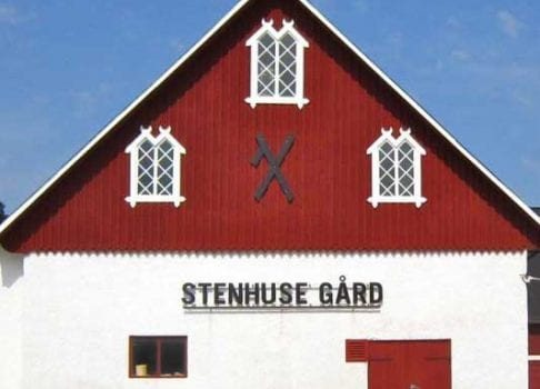 Unna dig en härlig vårhelg på Djurönäset och njut av den underbara vårprimören från Gotländska Stenhuse gård,